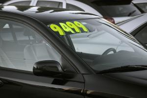 E-Auto gebraucht kaufen: Geht man anders vor? | enomo Ratgeber