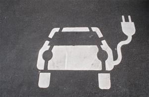 Elektroauto kaufen: Was spricht dafür?   enomo Ratgeber